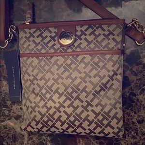 NWT Tommy Hilfiger crossbody bag